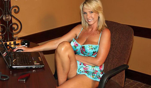 Blonde porno darstellerin